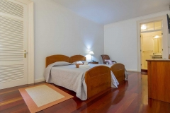 Comercial-Azores-Guest-House-1